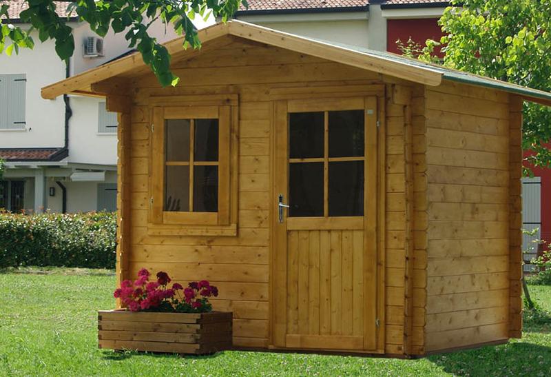 Giardini e terrazze arredate con stile impeccabile for Casette in legno abitabili arredate